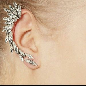 🎀 Cluster Rhinestone Crawler Earring